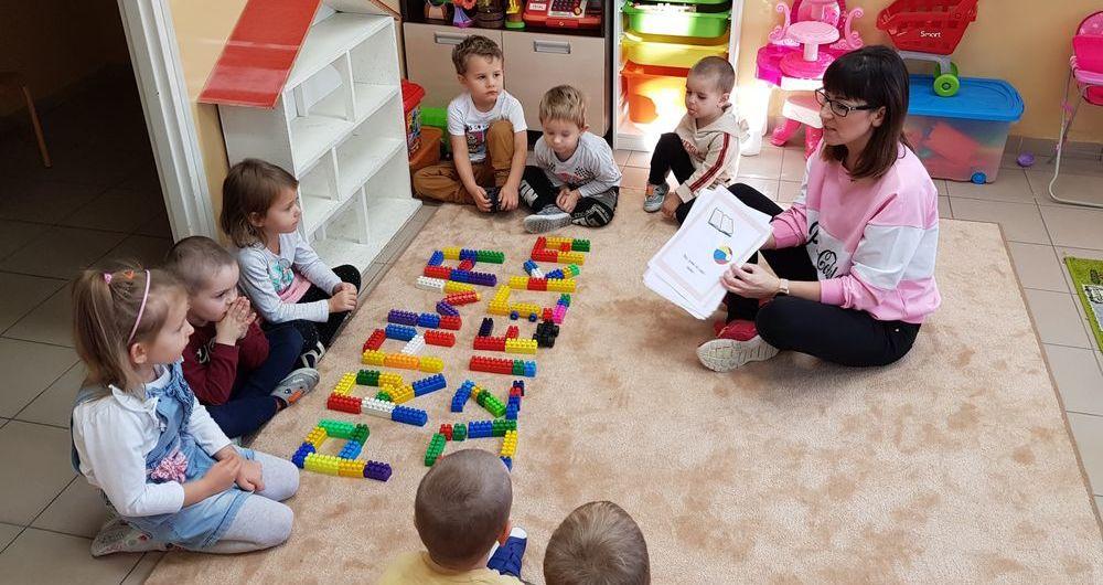 Międzynarodowy Dzień Praw Dziecka w PSP im. Jana Pawła II w Kostrzy
