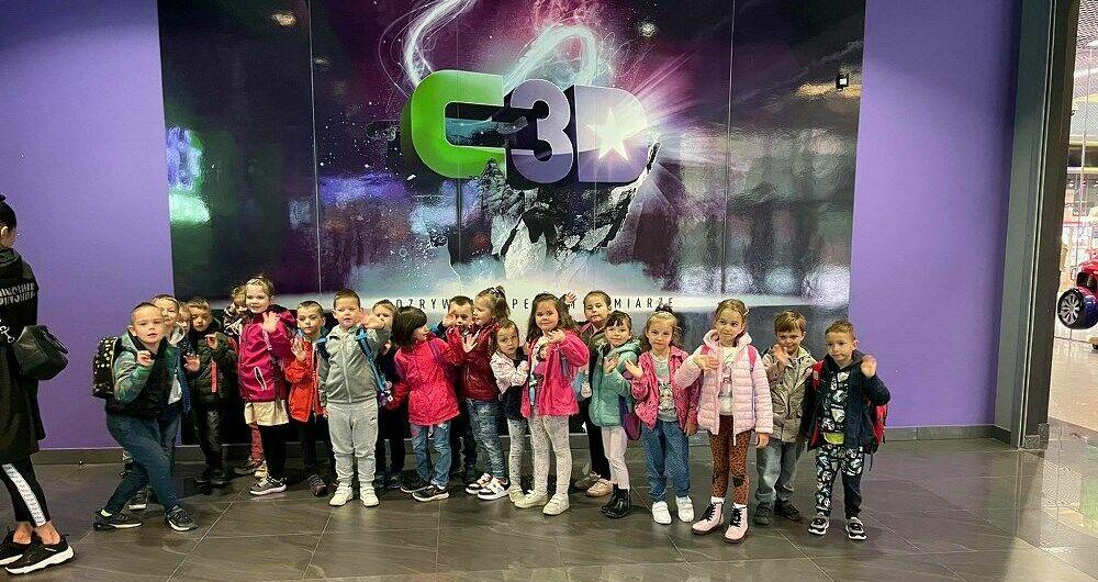 Przedszkolaki z Jaroszowa w kinie