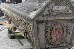 Sarkofag się odnawia