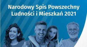 Baner NSP poziomy prostokąt niebieskie tło, biały napis, cztery osoby w różnym wieku.