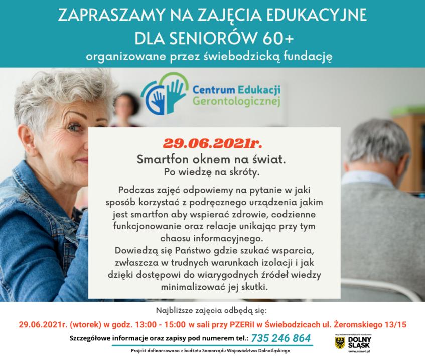 Plakat informacyjny dotyczący zajęć dla seniorów. Biało niebieski kwadrat.