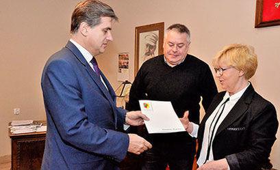 Umowy na wsparcie hospicjum i prowadzenie rehabilitacji