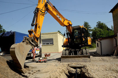 Rozpoczęły się prace przy realizacji II etapu budowy kanalizacji w Mrowinach