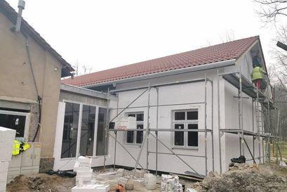 Trwa rozbudowa świetlicy w Łażanach