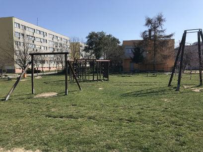 Zakaz wstępu na place zabaw i siłownie plenerowe