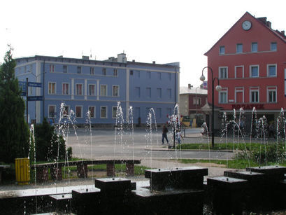 Nie zaleca się uruchamiania fontann i ulicznych instalacji wodnych