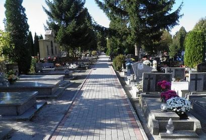 Nie ma zakazu wstępu na cmentarze