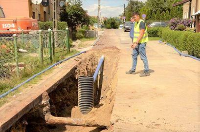 Budowa kanalizacji w Mrowinach na półmetku