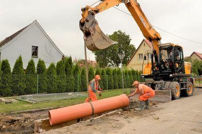 Ruszyła budowa kanalizacji przy ul. Słowiańskiej w Żarowie