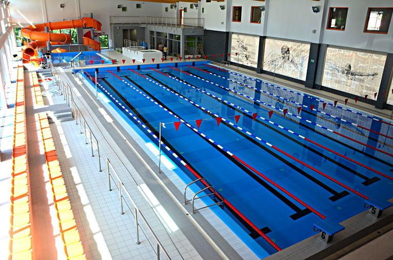 Godzina pod okiem instruktora pływania na żarowskim basenie
