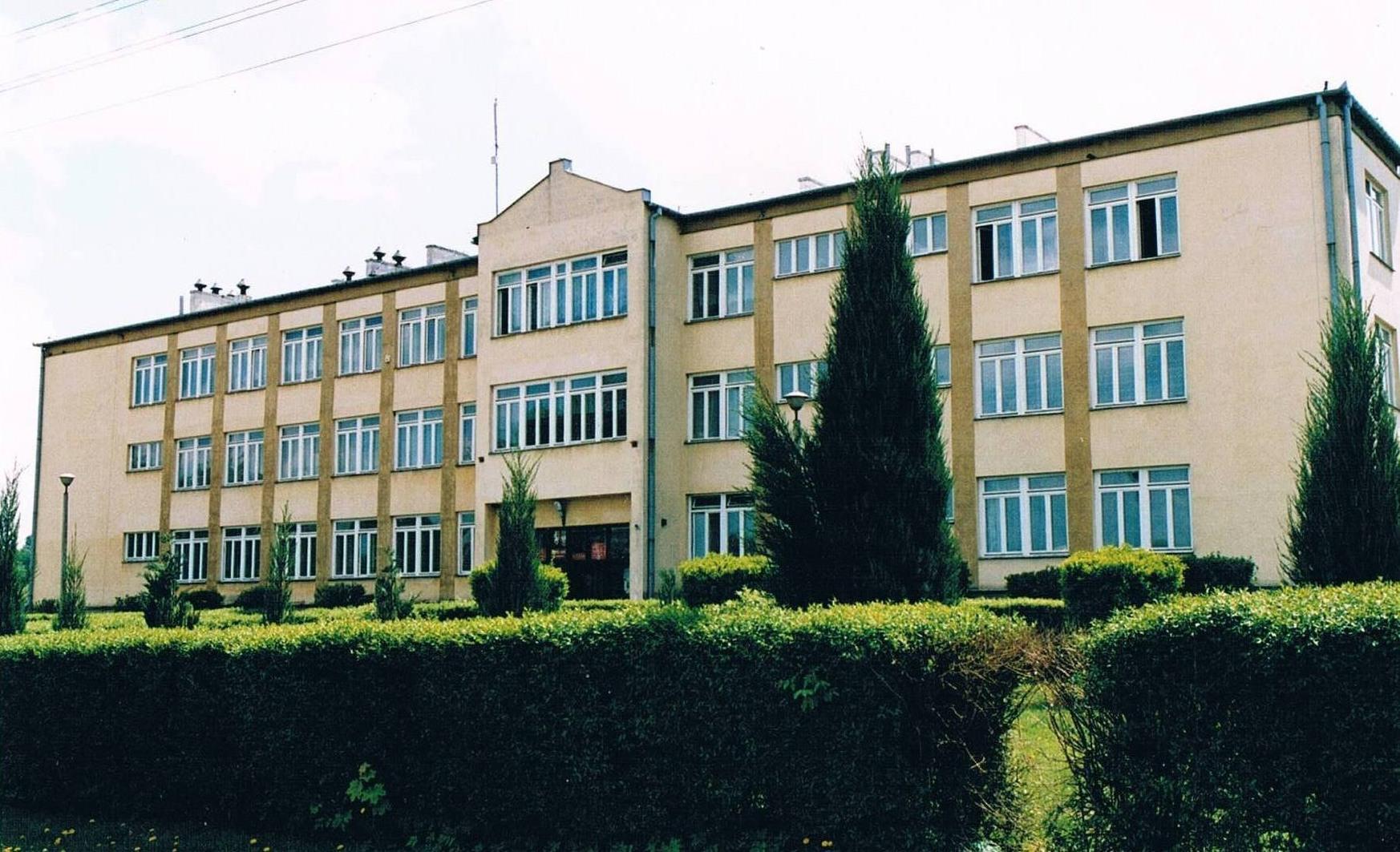 Zespół Szkół w Garbowie I