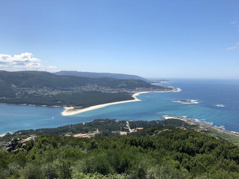 Panorama ujścia rzeki Miño oraz Oceanu Atlantyckiego