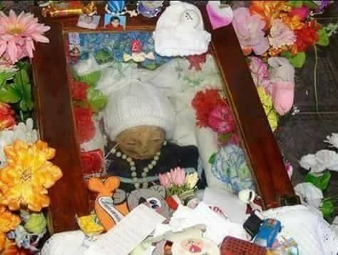 Cudowny Aniołek w mauzoleum - screen Facebook