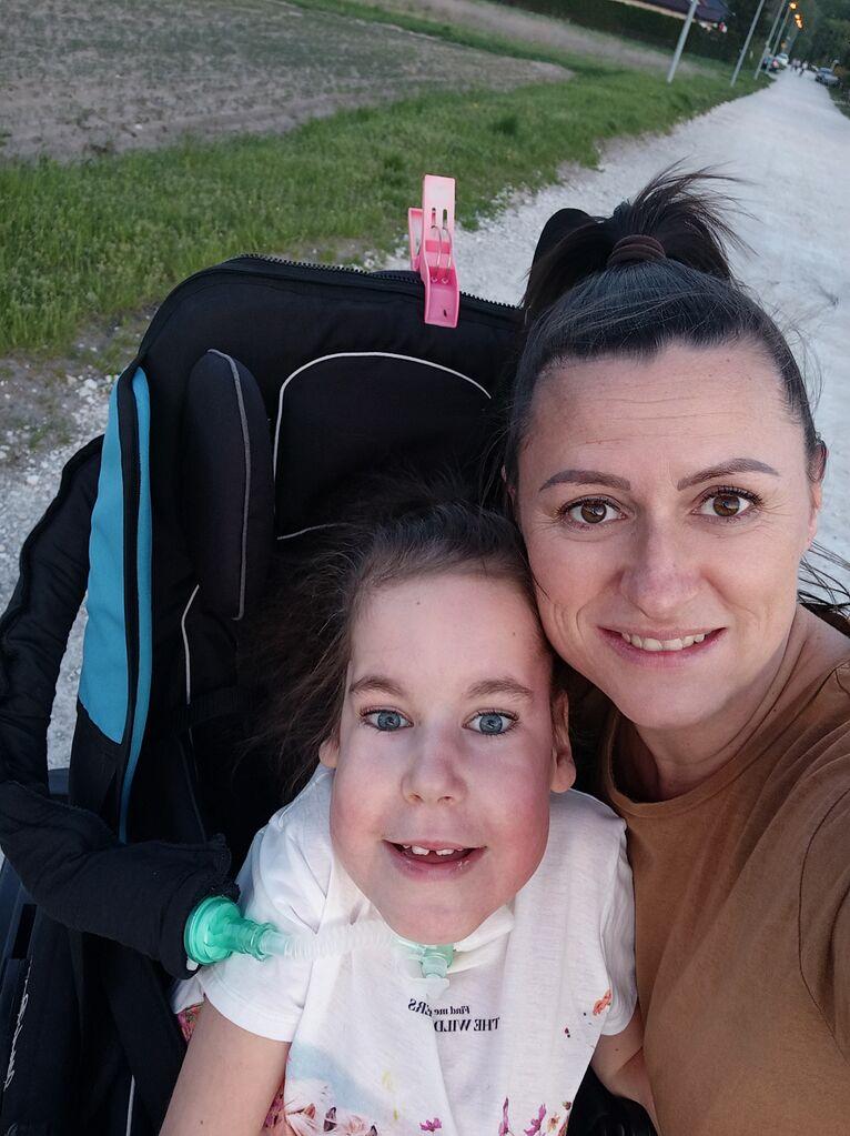 Ania z mamą.