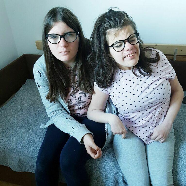 Dominika i Agnieszka są bliźniaczkami jednojajowymi.