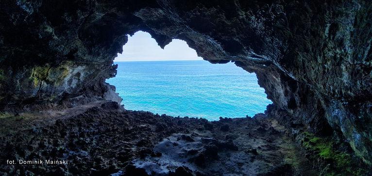 Jaskinia Ana Kakenga.