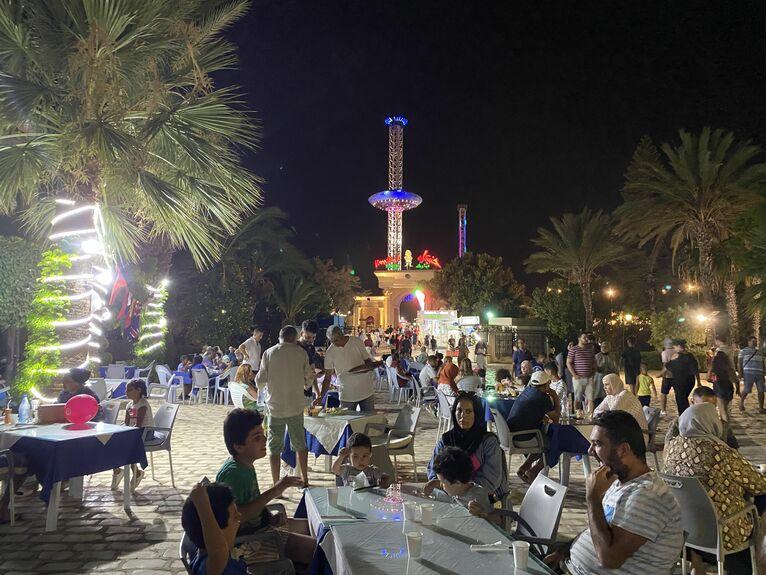 Wieczór w El-Kantoui.