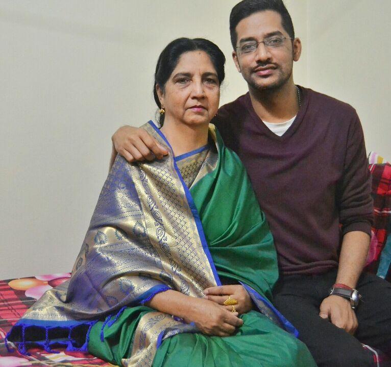 Talha z mamą.