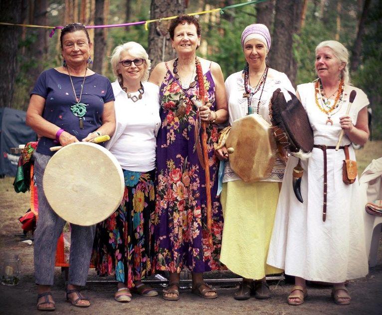 Starszyzna. Stoją od od lewej: Barbara Rozciecha, Alicja Bednarska, Tanna Jakubowicz- Mount, Agnieszka Hari Kartar, Hanna Zielicha Świątkowska. ZKK 2019