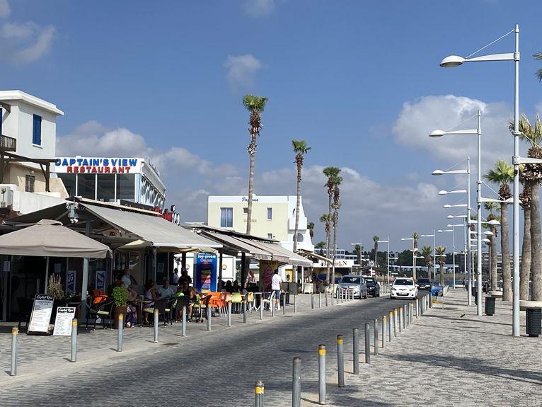 Cypr - pustki w porcie w Pafos