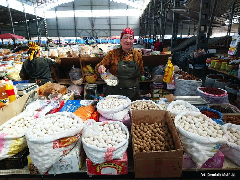 Bazar w Biszkeku Kirgistan.