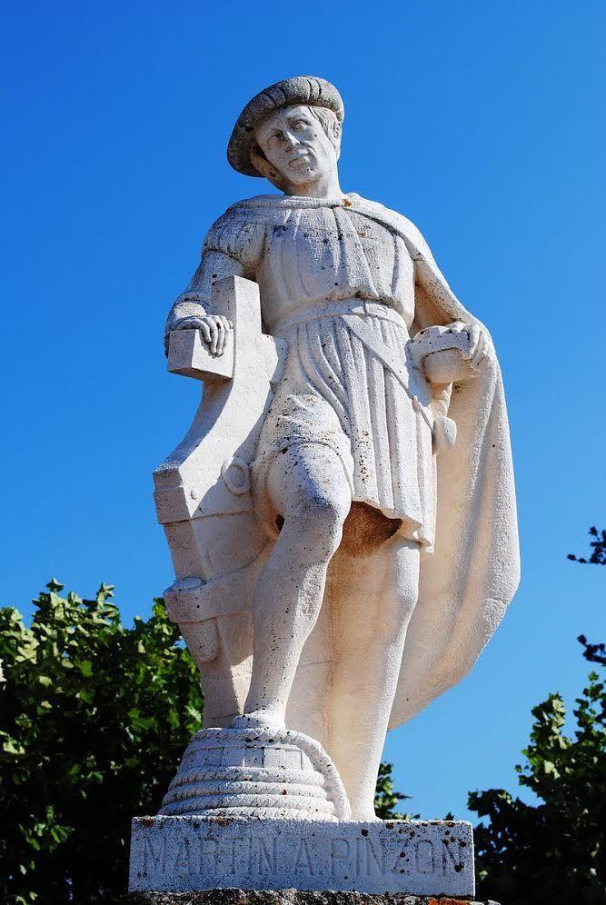 Martín Alonso Pinzón - pomnik w Baionie
