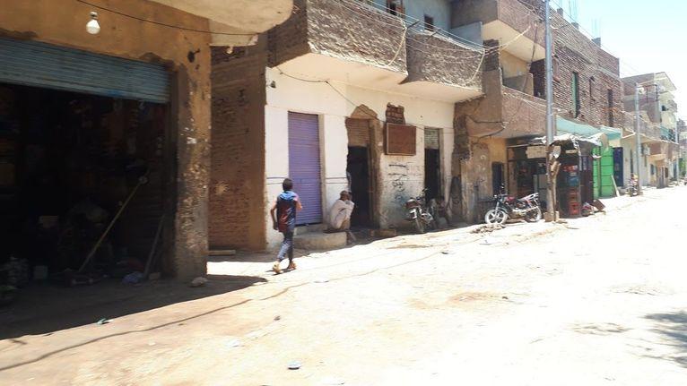 Luksor - większość ludzi jest bez pracy.