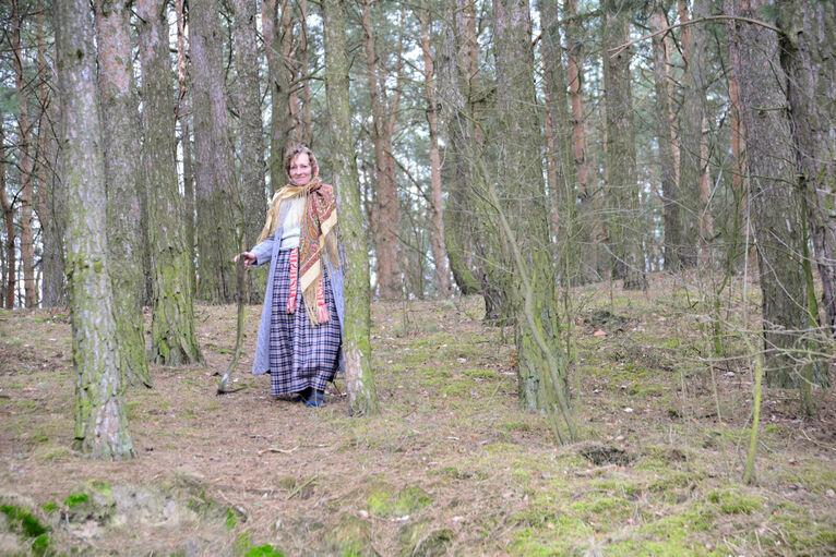 Oksana w tradycyjnym stroju.