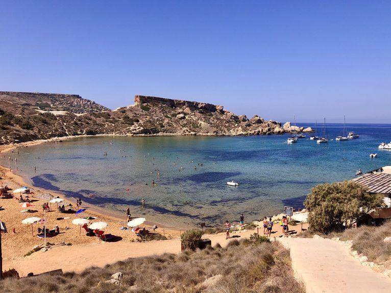 Puste plaże na Malcie.