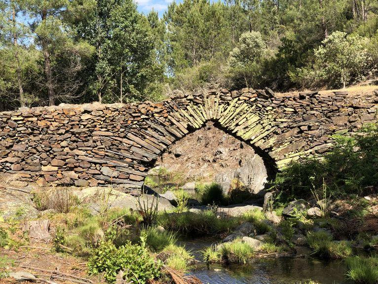 Romański mostek Las Hurdes