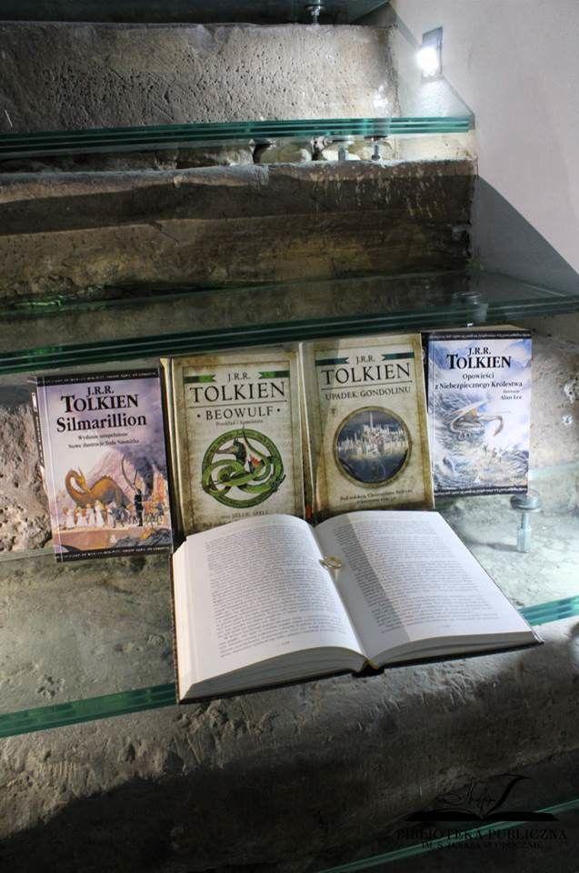 książki na chodach